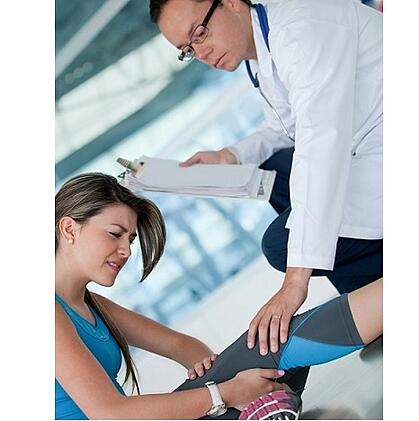 Athletic injured woman-2