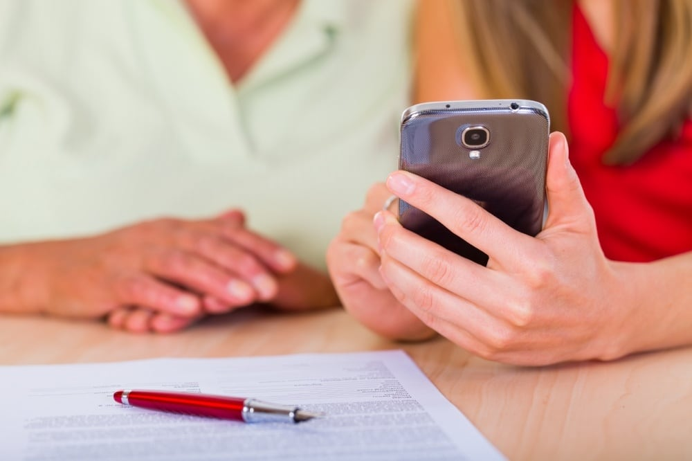 mobile apps have made it easier for caregivers to take care of a loved one or patient with a spinal cord injury.